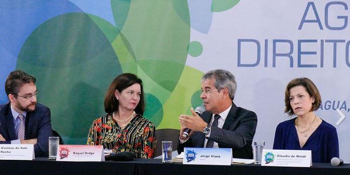 Debatedores defendem a água como bem comum, livre de interesses de mercado